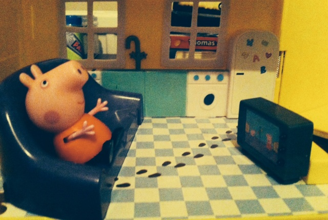 Peppa Pig watching TV